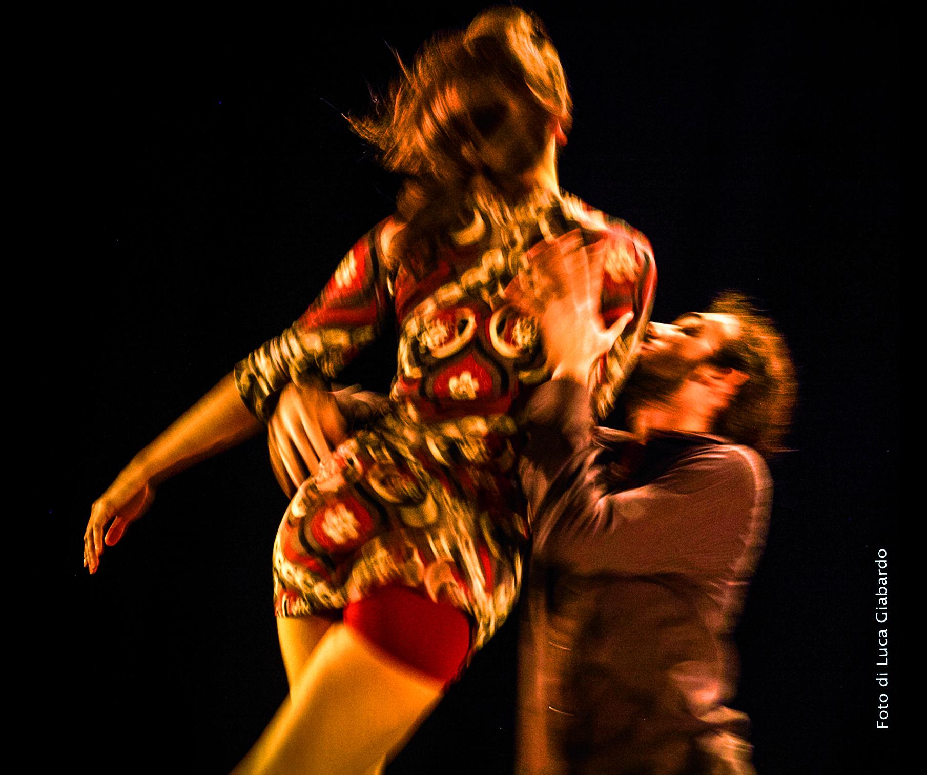 Boato-danza contemporanea